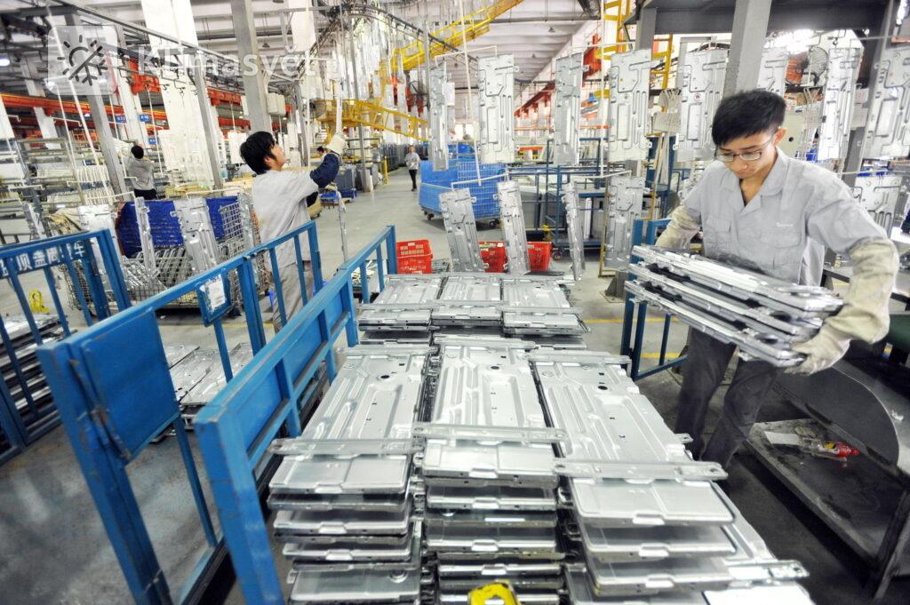 Pohled do výrobny klimatizací v Gree Industrial Park ve městě Wuhan.
