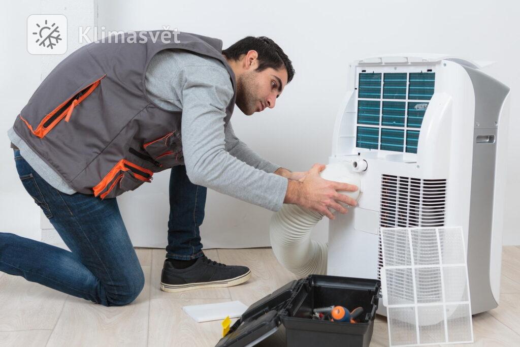 Mobilní klimatizace mají snadnou montáž, ale jejich spotřeba je vysoká.