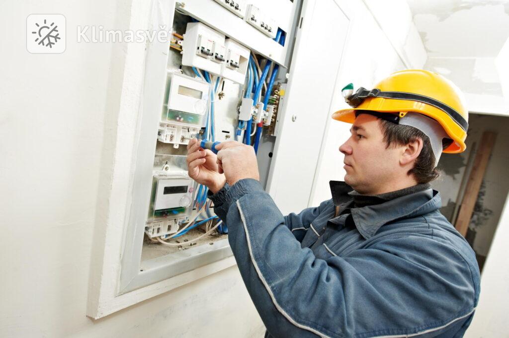 Bez revizní zprávy od elektrikáře se při žádosti o přidělení levného tarifu neobejdete.